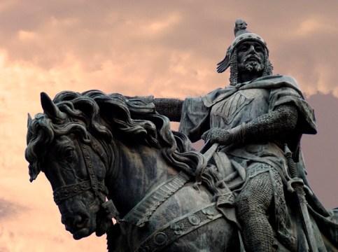 Jaime I de Aragón y Montpelier, rey de Aragón, Señor de Montpellier, Carlades y Omelades, Conde de Barcelona, Girona, Aussóna, Pallars Jusa y Subirá, Conflet y Sardana. De lengua latina y lemosina.