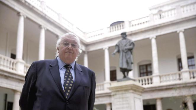 Foto: Paul Preston en la Universidad de Valencia. (EFE)