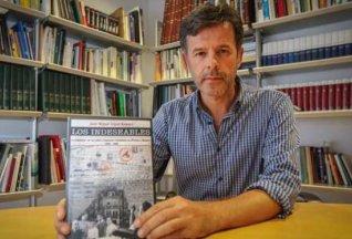 José Miguel L. Romero, con su libro. VICENT MARÍ