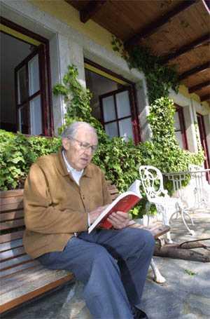 Gustavo Bueno, el sábado 8 de marzo de 2003