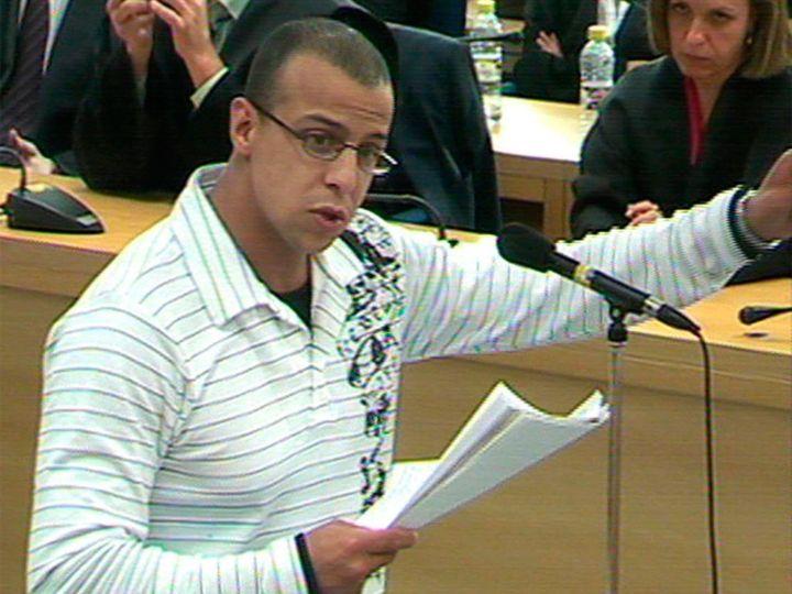 Rafa Zouhier proclamando su inocencia durante el juicio.