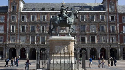 La estatua de Felipe III, con su apariencia actual, en la Plaza Mayor