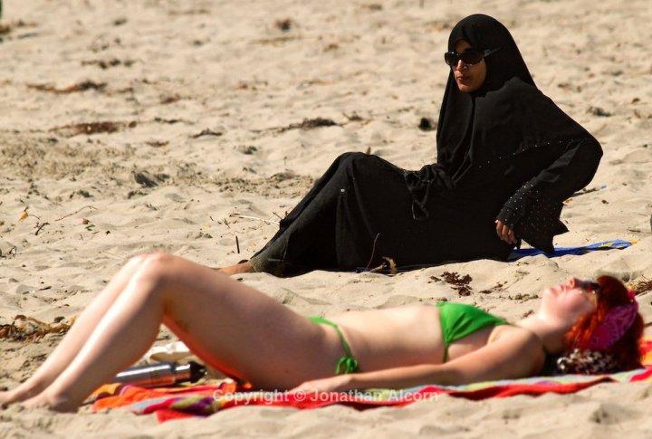 Resultado de imagen de burka bikini