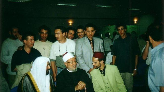 Rachid Boutarbouch, impulsor de la universidad islámica en Donostia, con Yusuf al-Qarada, líder intelectual de los Hermanos Musulmanes en Egipto.
