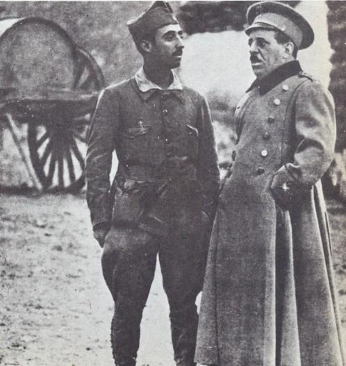 Franco y el general Sanjurjo, en la posición de Ras-Medún (Melilla) en noviembre de 1921