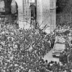 La muerte de Berazadi generó una importante movilización social; en la imagen, el funeral.