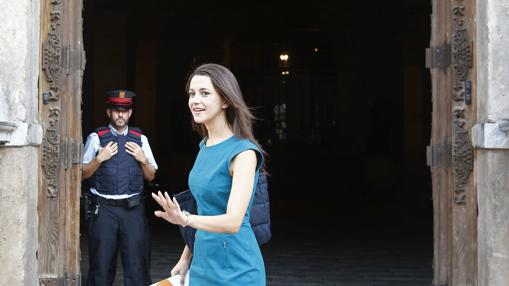 La líder de Ciudadanos en Cataluña, Inés Arrimadas el día de su reunión con Puigdemont