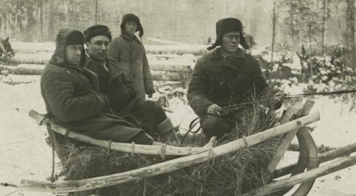 Prisioneros en un gulag (CC)