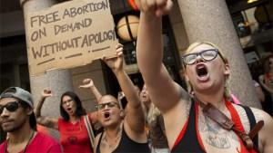 """Mujeres abortistas claman por el """"derecho a decidir"""" matar a su hijo."""