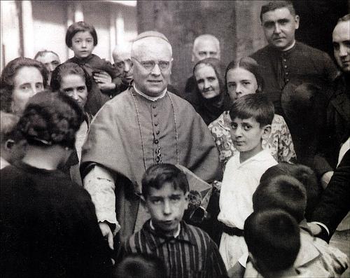 Resultado de imagen de Obispo Manuel Irurita Almandoz