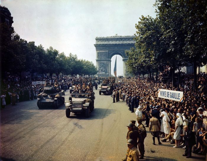Entrada triunfal de las tropas francesas en París, el 25 de agosto de 1944 /Wikimedia