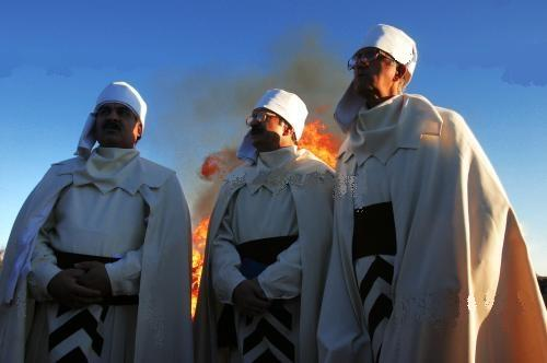 Un grupo de sacerdotes de Kerman, Irán.