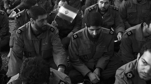 Miembros de la guardia revolucionaria en la ceremonia de aniversario de la Revolución Islámica