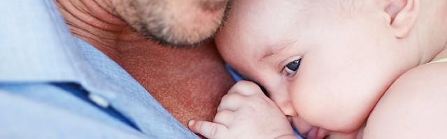 Insólito aviso a los doctores ingleses: no es apropiado llamar madres a las «personas» embarazadas