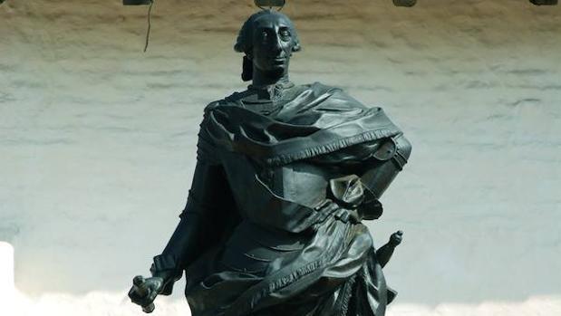 Estatua de Carlos III en el Presidio de Santa Bárbara, California