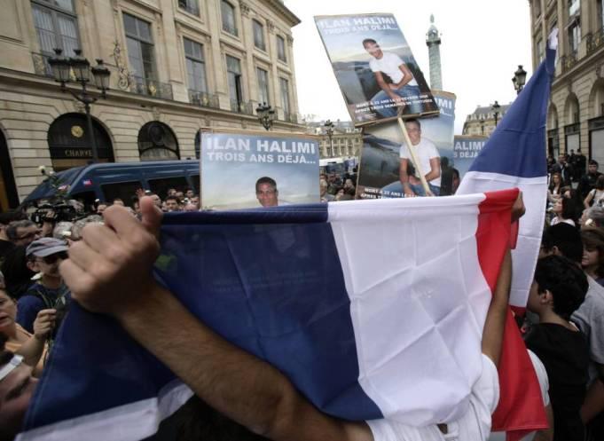 Foto: Organizaciones judías francesas protestan ante el Ministerio de Justicia, en París, tras el asesinato de Ilan Halimi. (Reuters)
