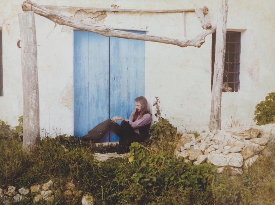 Escohotado en Ibiza, sin llaves y pensando en abrir las puertas de la percepción