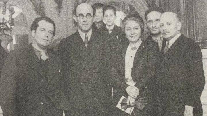María Teresa León y Rafael Alberti (i) en el Kremlin en 1933.