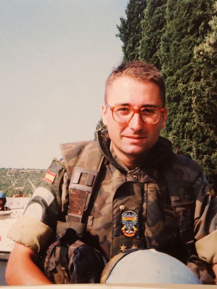 Monterde, en Bosnia, cuando aún era teniente.