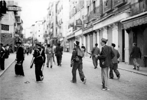 Soldados republicanos en Toledo