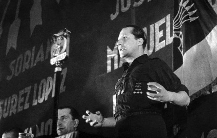 José Antonio Primo de Rivera, en el 2º Congreso de la Falange, en Madrid. Fotografía:  El País