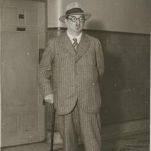 Lunacharski, durante su estancia de incógnito en París, en 1930
