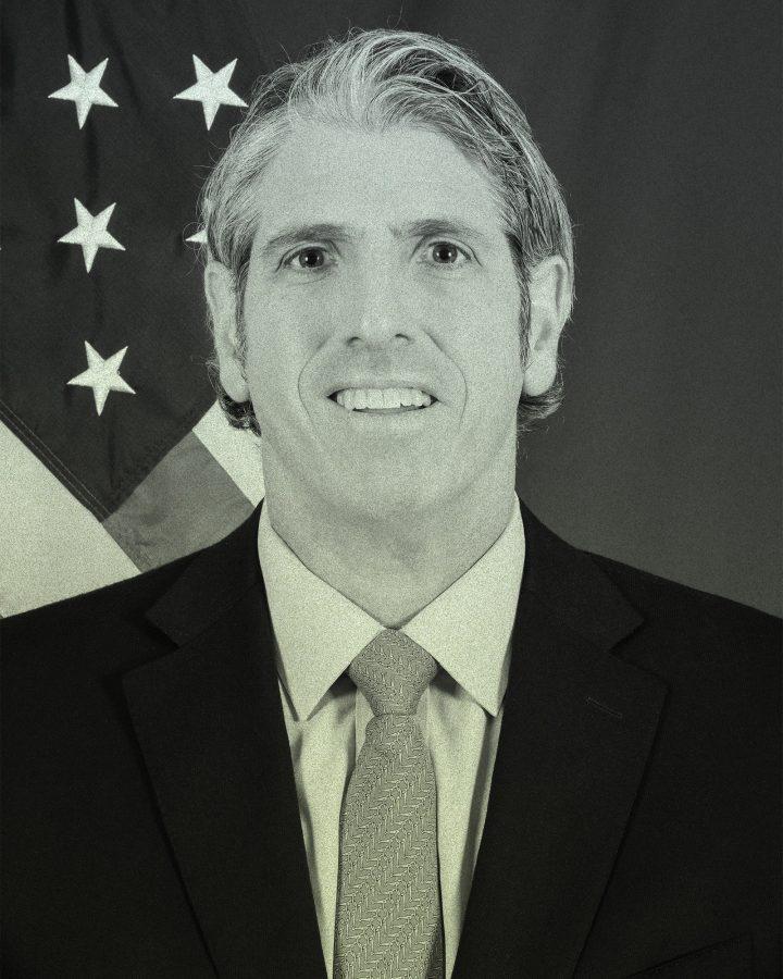 El funcionario del Departamento de Estado, Thomas DiNanno, escribió un memorando en el que se le advirtió al personal de su oficina que no persiguiera un ...